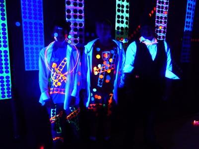 michele_guieu_graduation_party_blacklight_09_small