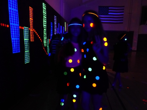 michele_guieu_graduation_party_blacklight_16_small